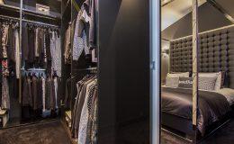 Walk in closet masterbedroom view